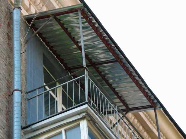 """Крыша на балкон компания """"окна борна""""."""