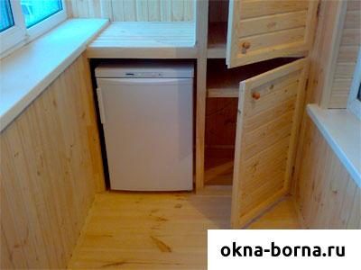 Холодильник на лоджии.