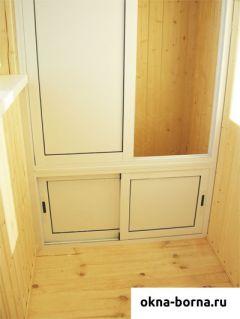 Раздвижной трехсекционный шкаф открытый из алюминияи пластика