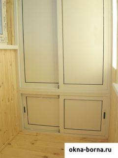 Раздвижной трехсекционный шкаф закрытый из алюминияи пластика