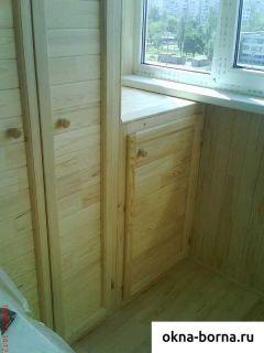 Встраиваемый шкаф деревянный на балкон