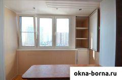 Встроенный шкаф при объединении балкона с комнатой